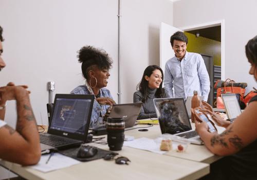 networking-pessoas-conversando